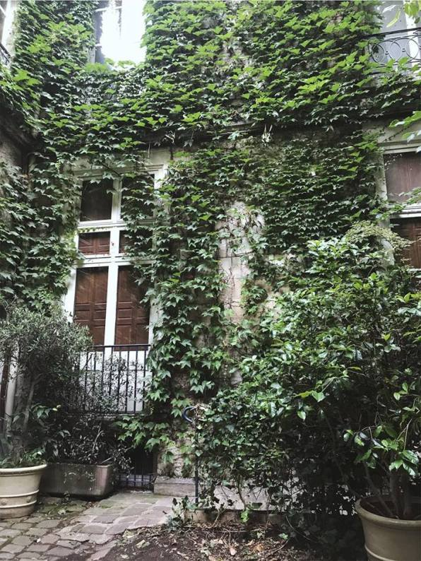 paris - courtyard